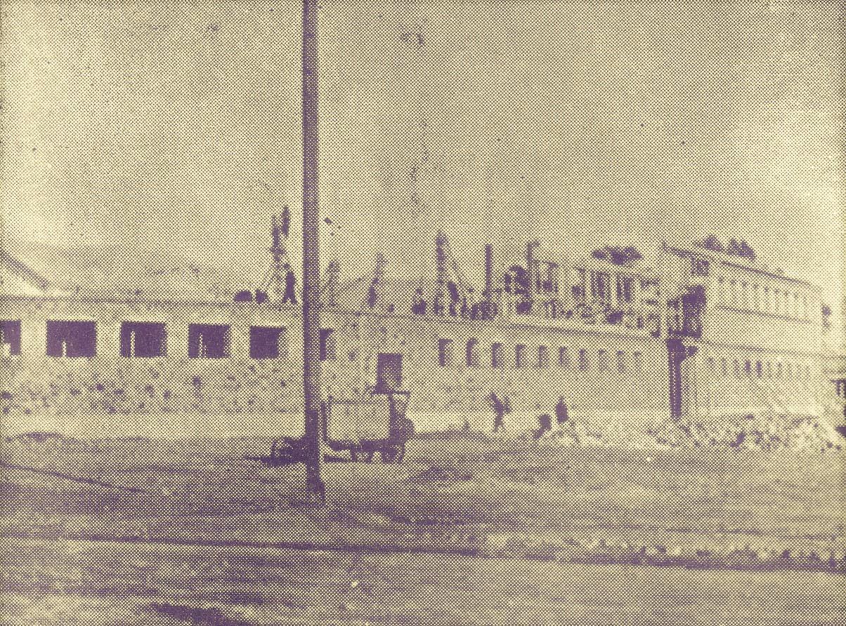 El Mercado Municipal en construcción. Se inauguró en junio de 1957
