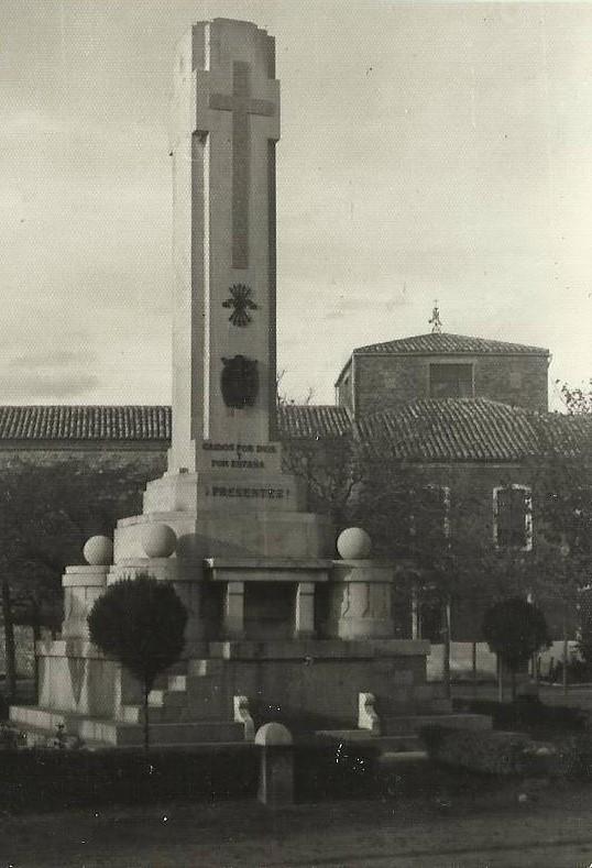Monumento a los caídos en la guerra civil, fotografía Felipe Valentín García