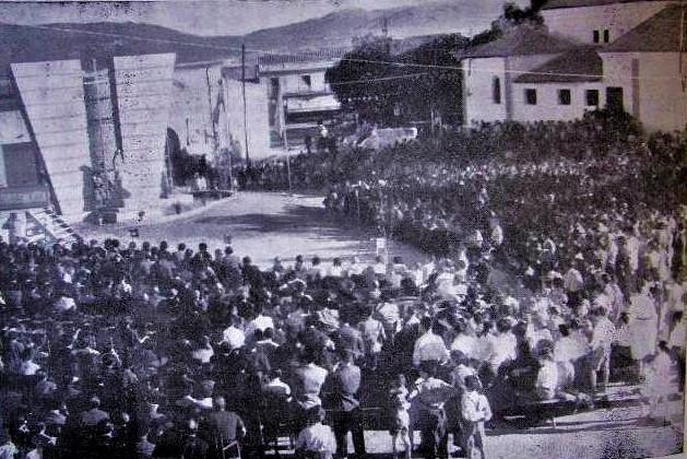Inauguración del monumento a los caídos en el trabajo en 1958. Autor Marino B. Amaya