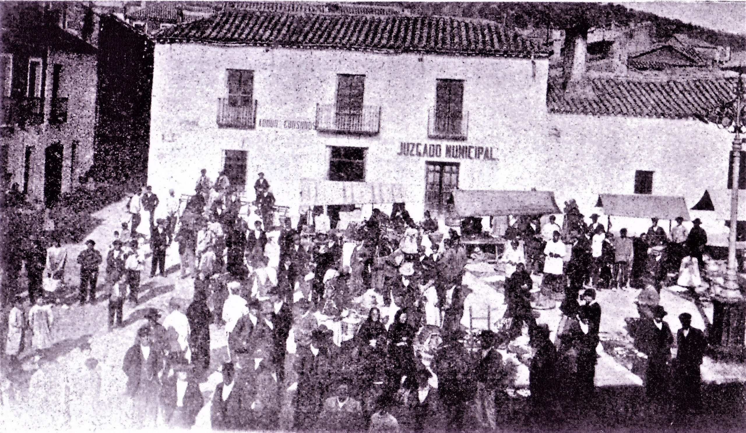 Plaza de la Constitución en día de mercado 1905