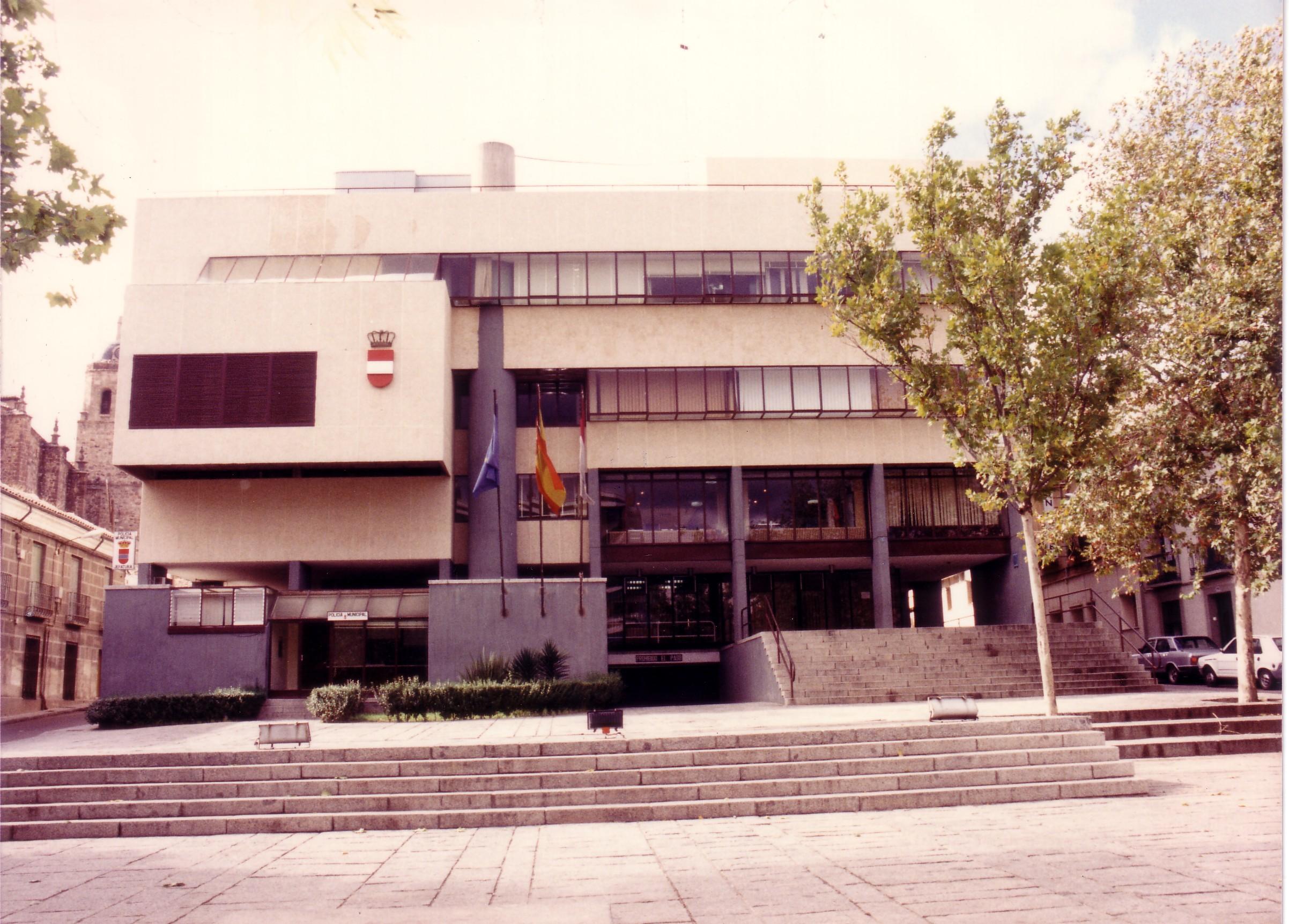 Edificio actual del Ayuntamiento 1985