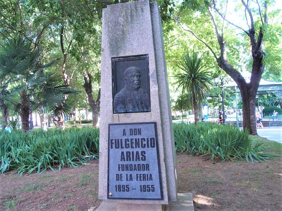Monumento Fulgencio Arias. Fundador de la Feria de Mayo. Autor Manuel Santos. Fotografía F. Negrete 2019