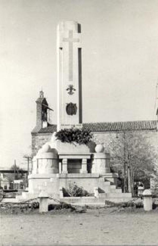 Monumento a los Caídos (años 40) Archivo de Enmanuel Salcedo
