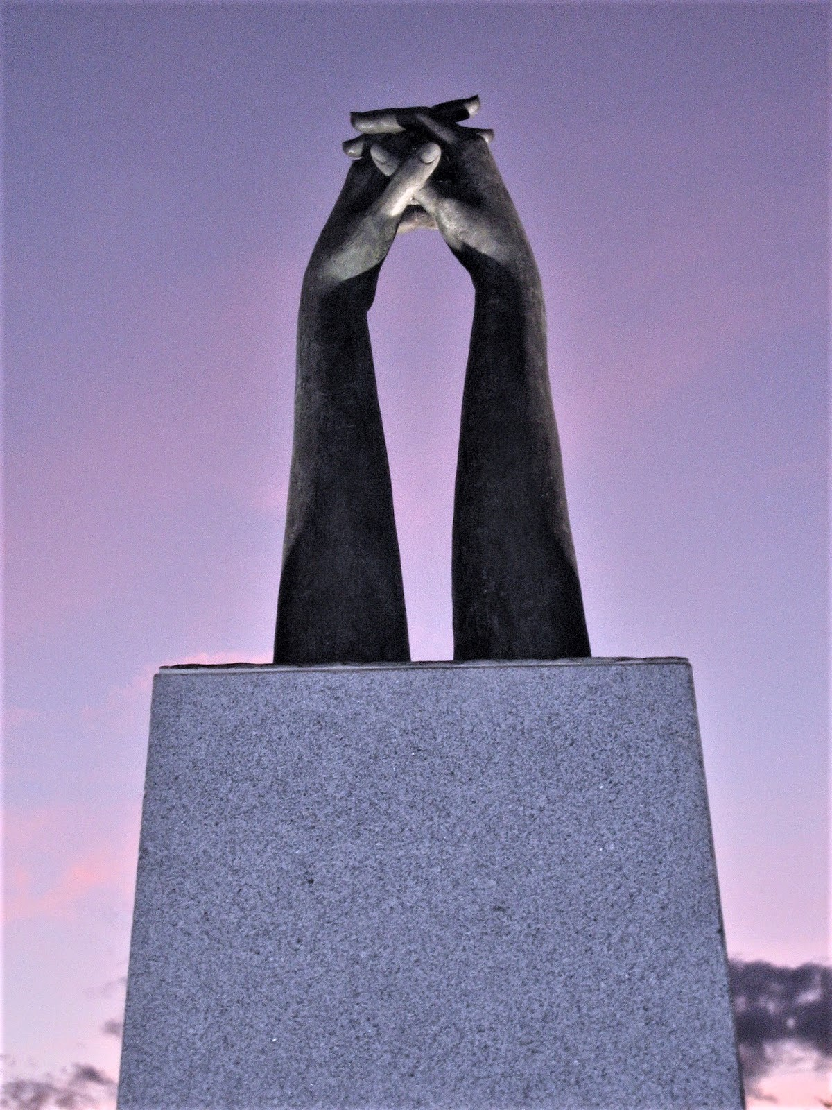 Monumento Hermandad Donantes de sangre Autor Emi Vozmediano