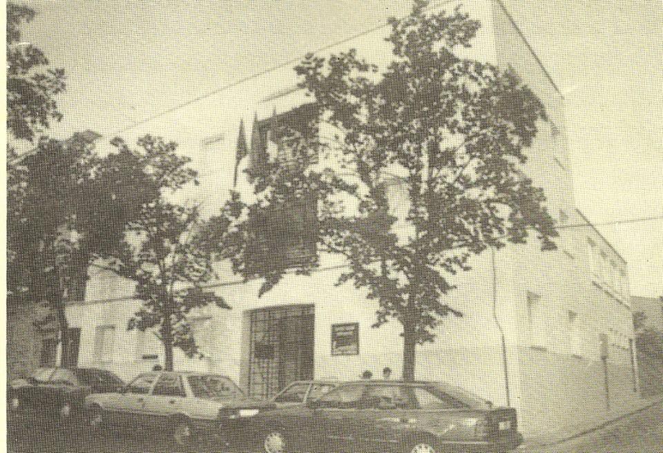 Edificio de la asociación de vecinos de Santa Ana y centro social (antes fue el Hospital 18 de Julio)