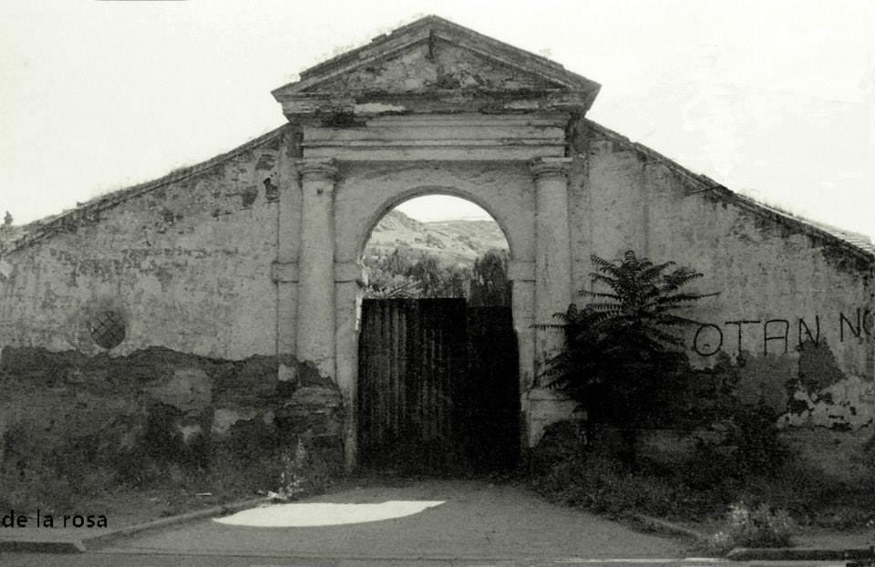 Fundición Nuestra Señora de Gracia. Puerta de entrada zona el bosque. Fotografía De la Rosa