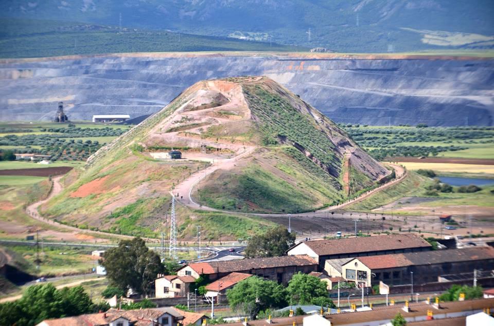 Vista general del Terri y la cuenca minera