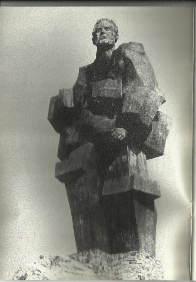 Monumento al minero años 80.Fotografía Felipe Valentín García
