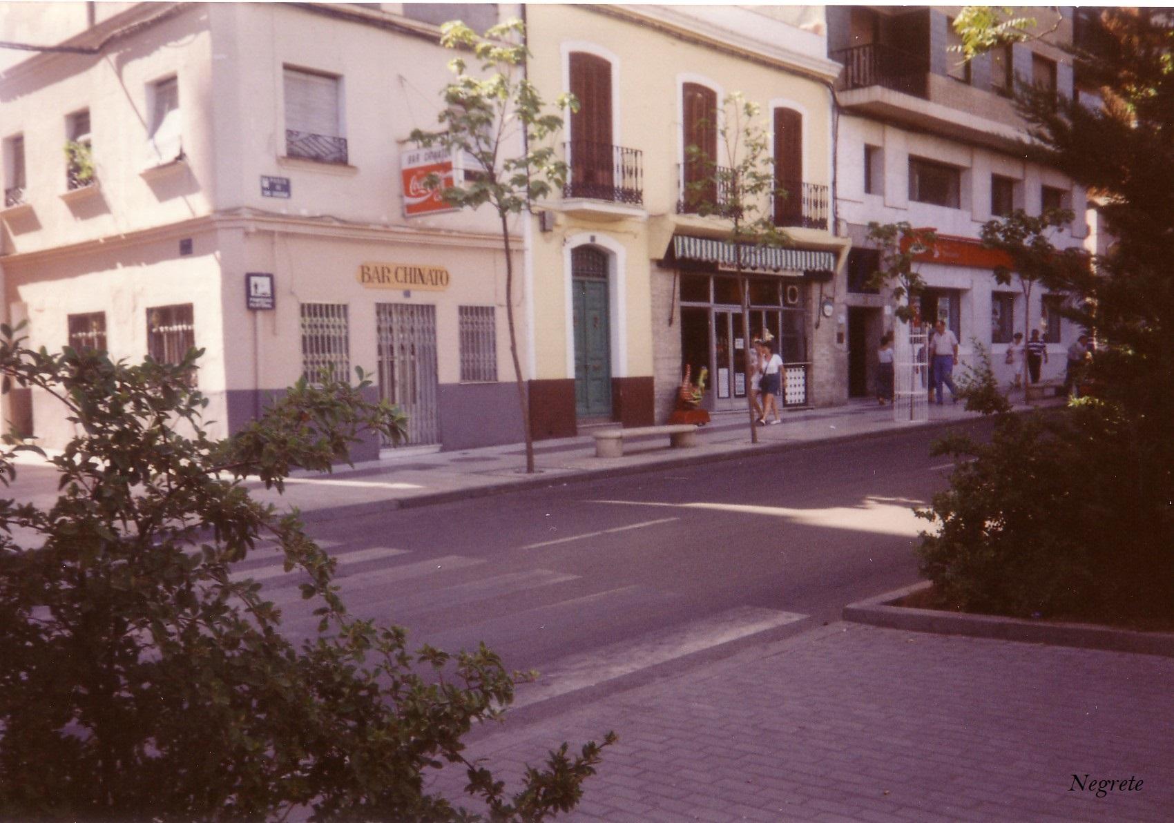 Bar Chinato y Coto en Paseo de San Gregorio Fotografía F. Negrete 1990