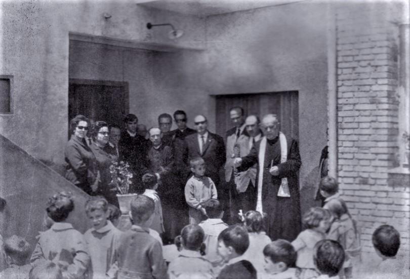 Inauguración de la guardería Caritas en la calle Aprisco en1968