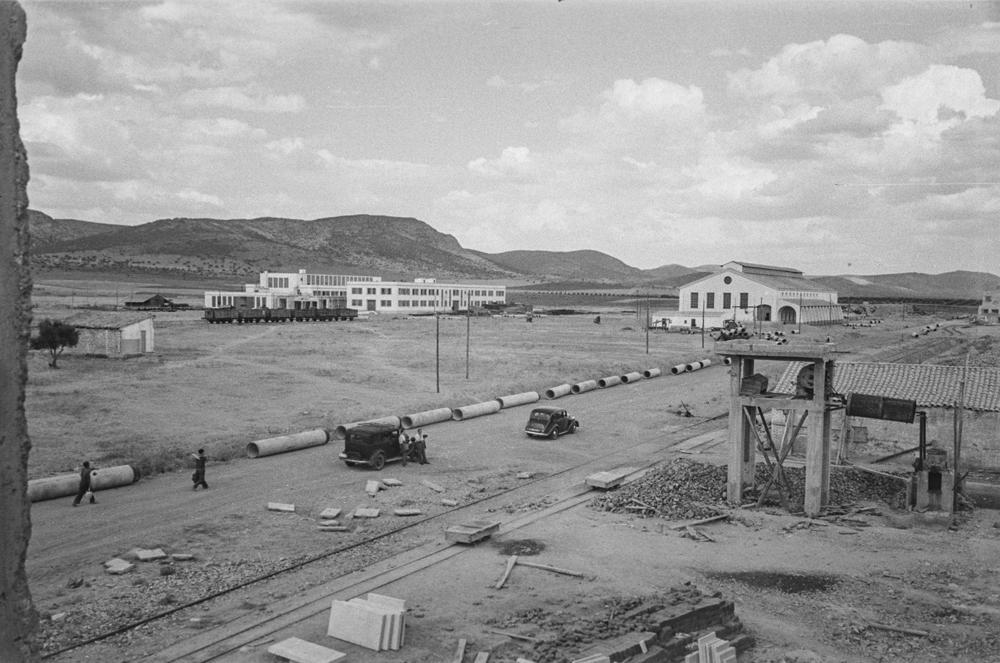 Vista del solar donde se construirá la Central eléctrica Calvo Sotelo 1952