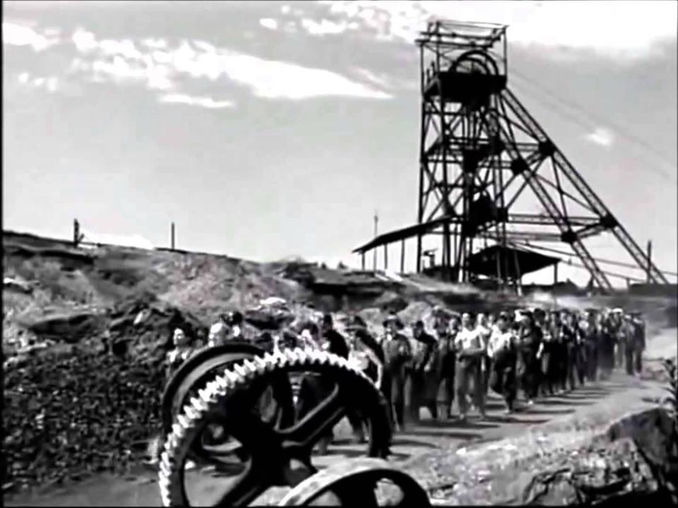 """Pozo San Julián de la mina San Esteban en una escena de la película """"Soy minero"""""""