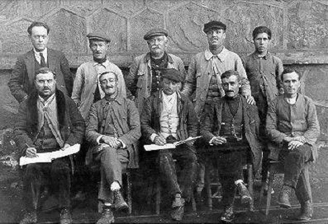 Personal administrativo de las minas, encargados de los pozos mineros