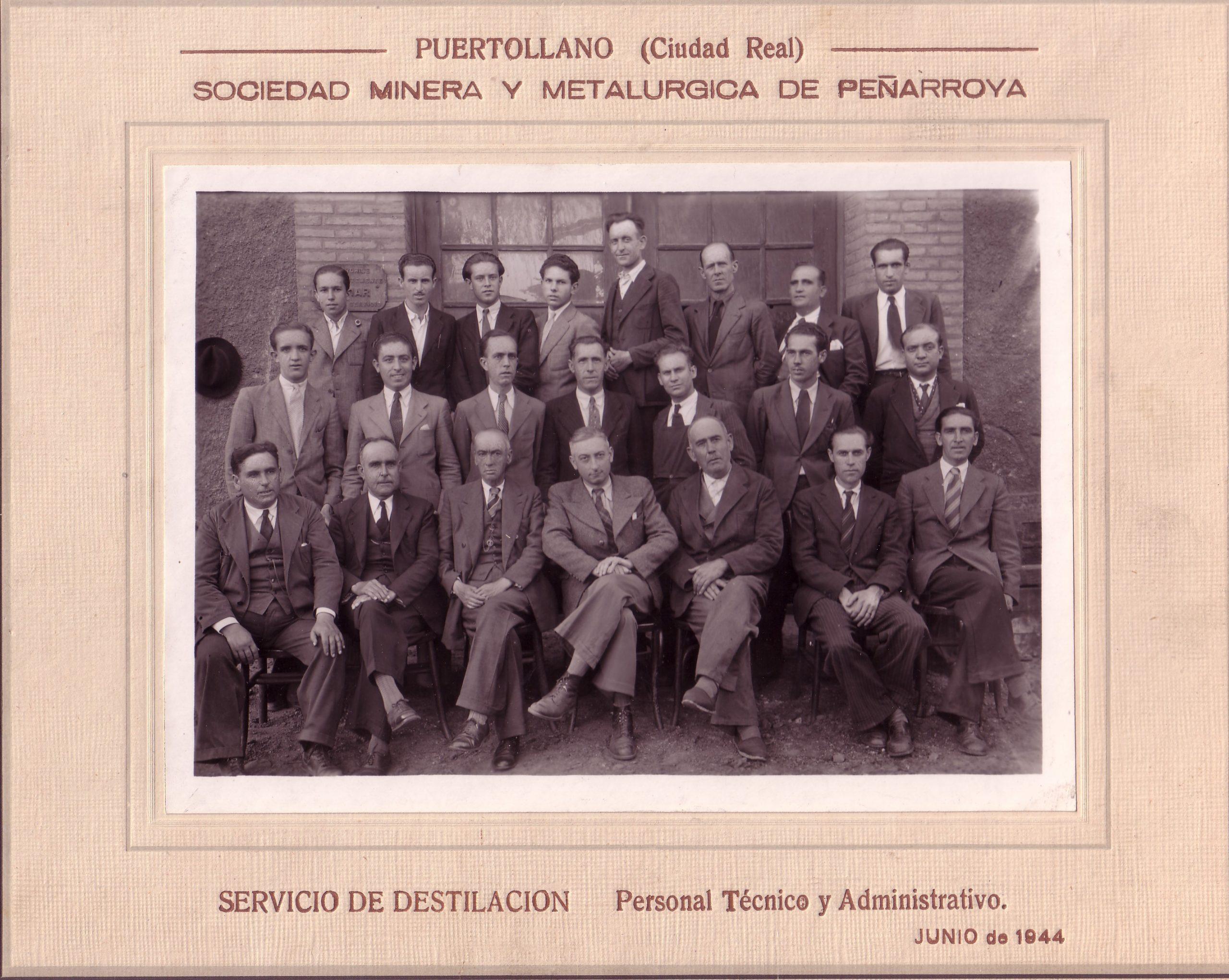 Servicio de Destilación. Archivo F. Negrete