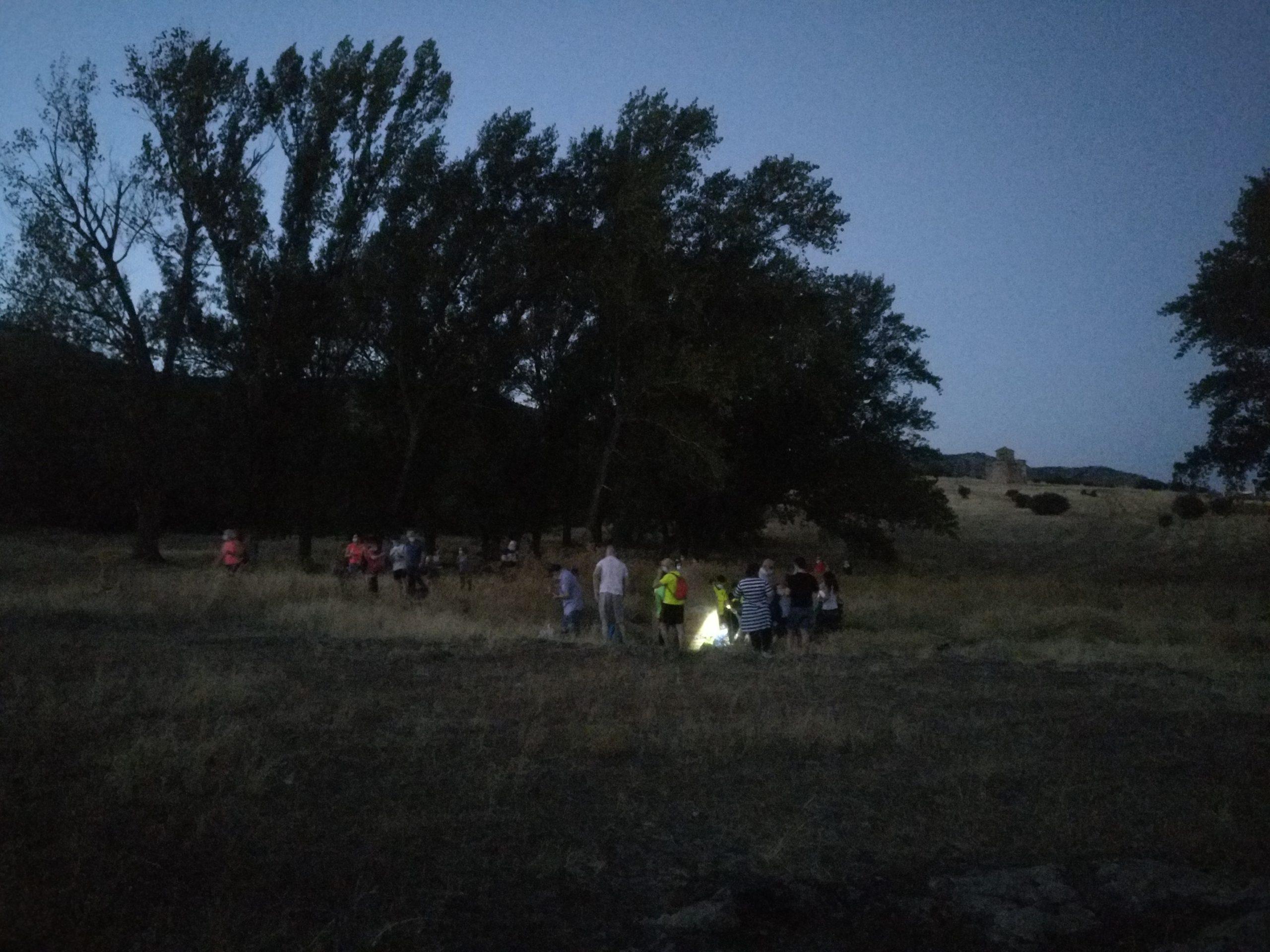 Grupo llegando a la fuente agria de La Nava