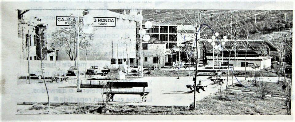 Plaza la Mancha (cercana al puente de la Virgen de Gracia). Años 60