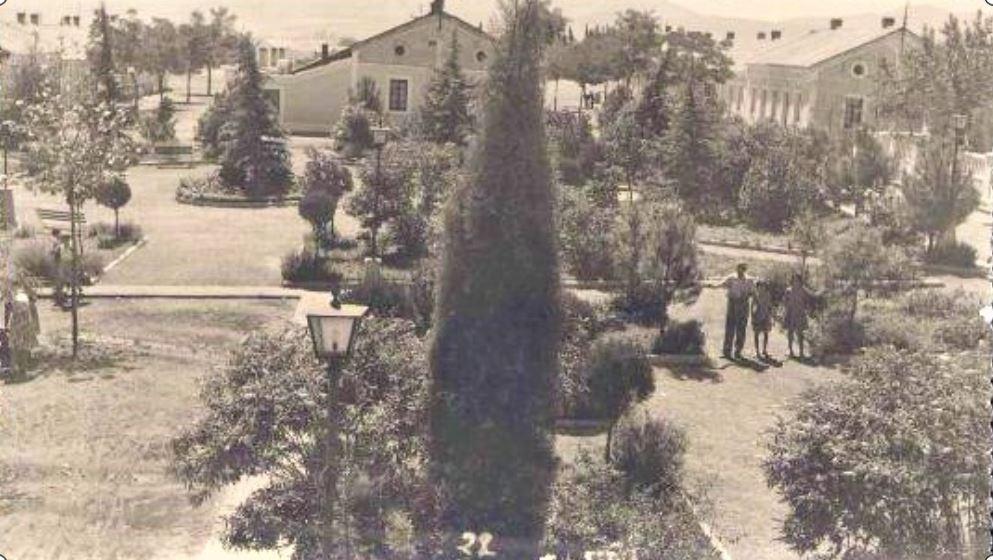 Plaza del Minero, antes de construir la Iglesia de San Antonio. Barriada de la Libertad