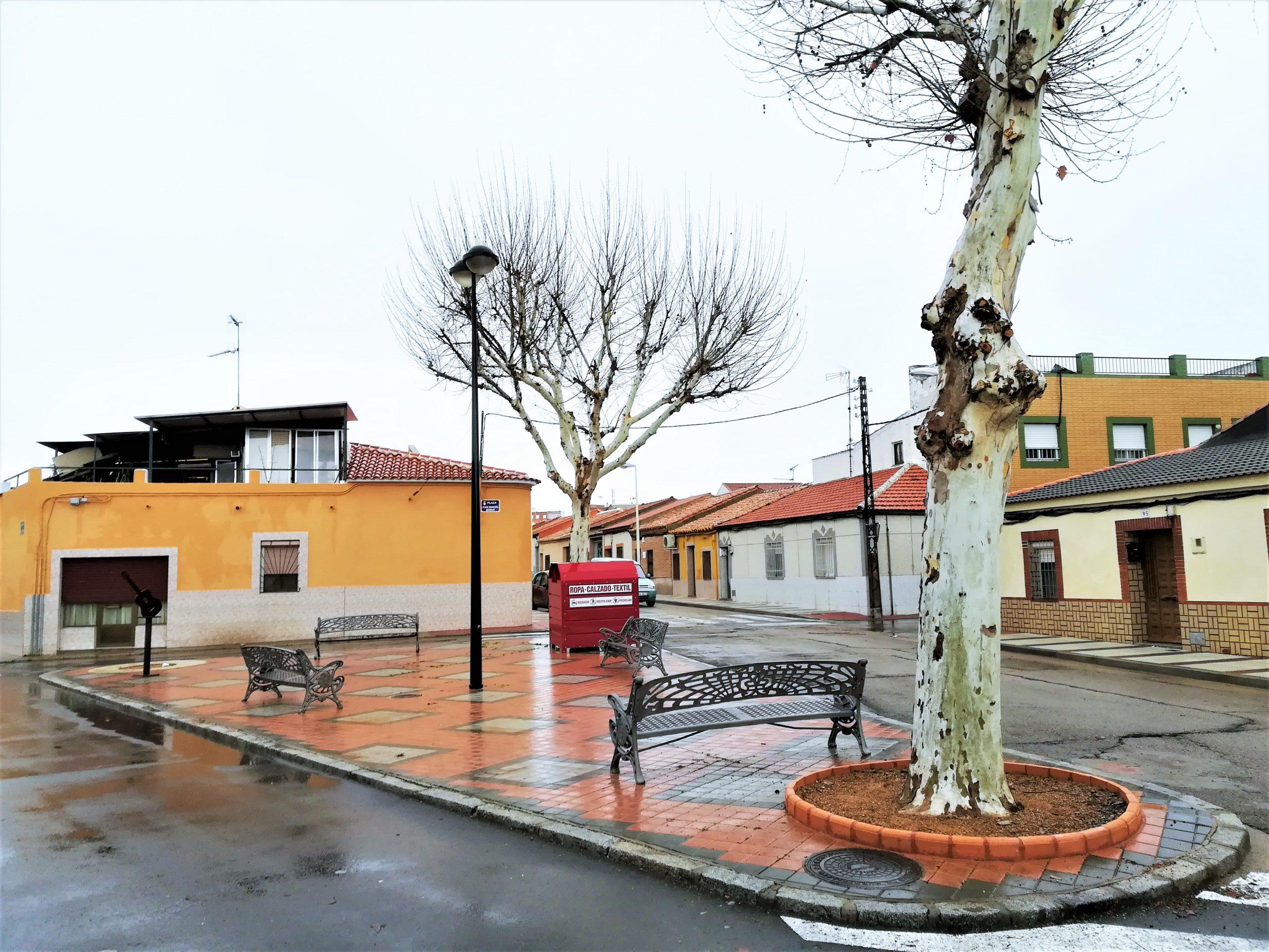 Plaza Joan Manuel Serrat. Barriada Cañamares Fotografía F.-Negrete 2017