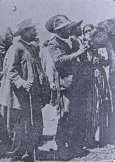 Preliminares de una transacción en la feria de ganado 1912 Vida Manchega