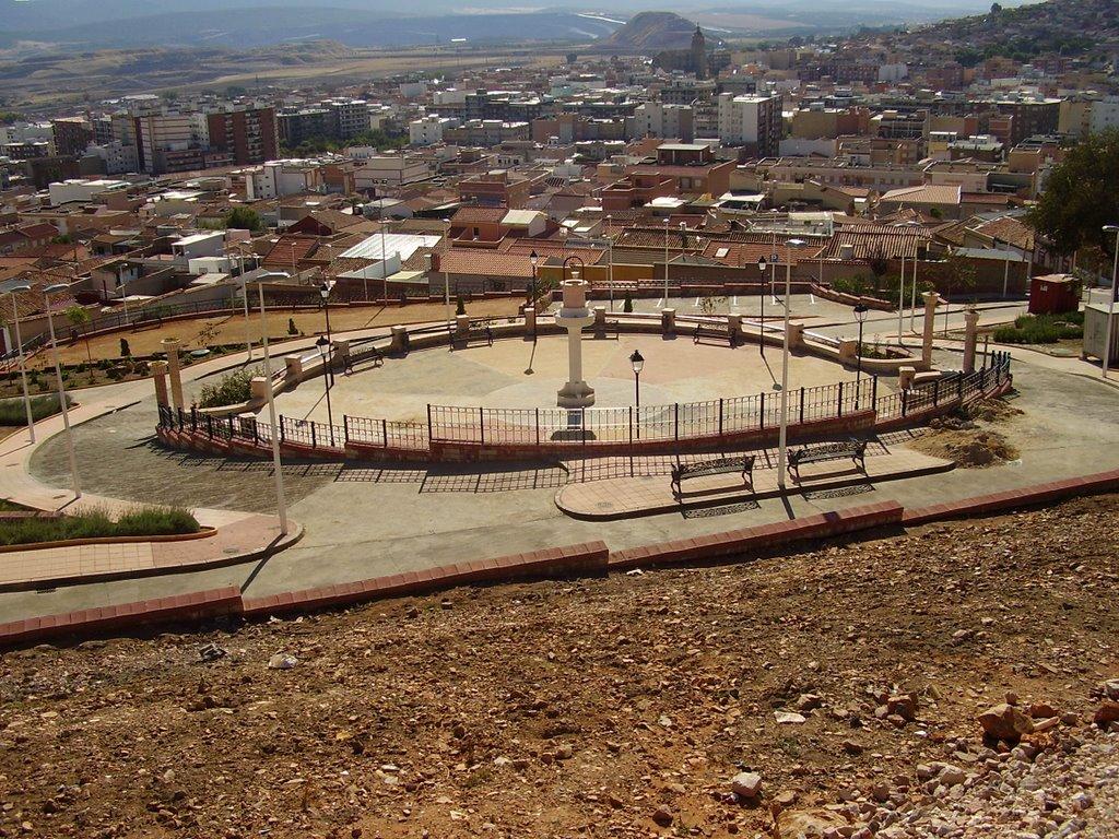 Plaza del Pozo cerca de la variante del Monumento al minero
