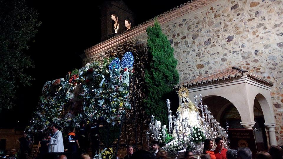 Carroza de la Virgen de Gracia y ofrenda floral. 2018
