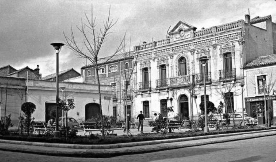 Ayuntamiento y Plaza. Años 60