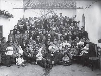 Interior del patio de la iglesia evangélica 1926