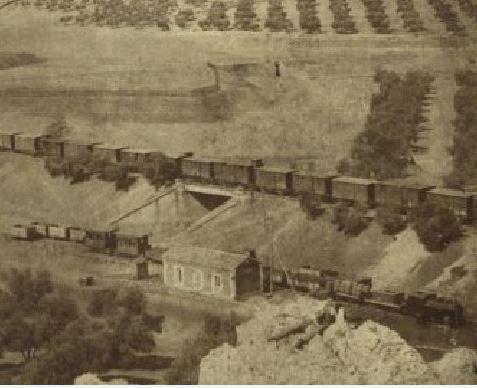 El Puente de la Virgen de Gracia y más abajo el Trenillo de la Calzada. 1905