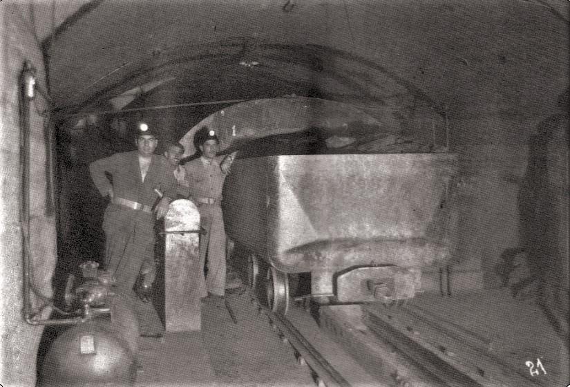 Estación interior de carga. 1952 (Pozo Calvo Sotelo) Fotografía Oña
