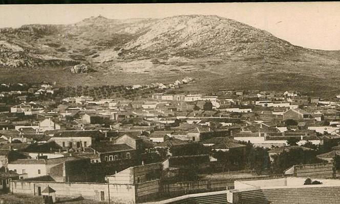 Escuelas Ave María detrás de la Plaza de Toros. 1918