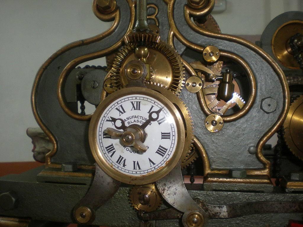 Parte del mecanismo del reloj de flores.