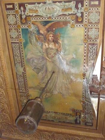 La famosa Diosa que se encontraba en la desaparecida casa del centro de adultos Antonio Machado, en la calle Cañas