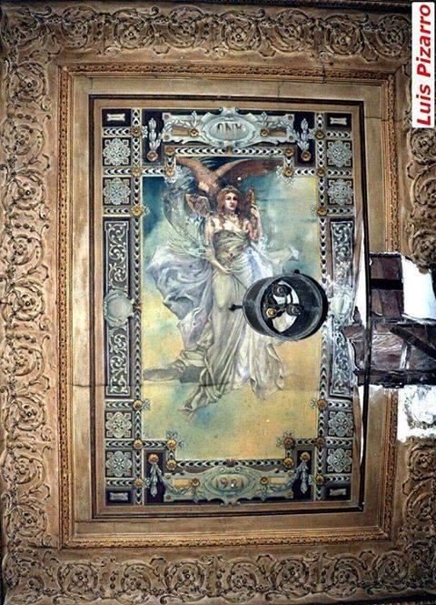 La famosa Diosa que se encontraba en la desaparecida casa del centro de adultos Antonio Machado, en la calle Cañas Fotografía Luis Pizarro