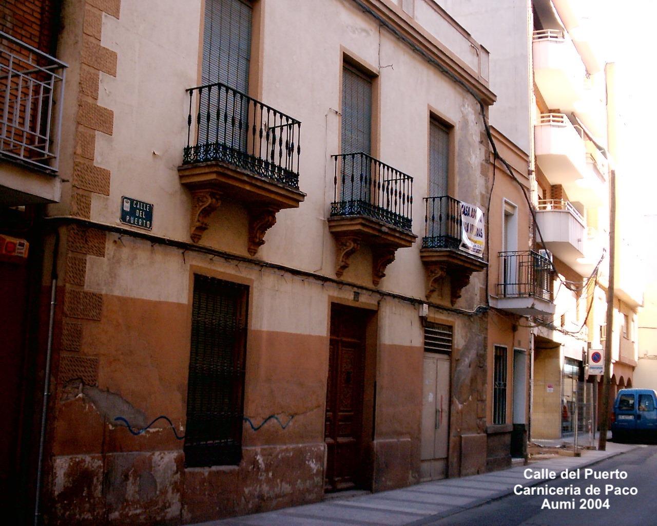 Calle del Puerto. Carnicería de Paco. Archivo Aumi 2004