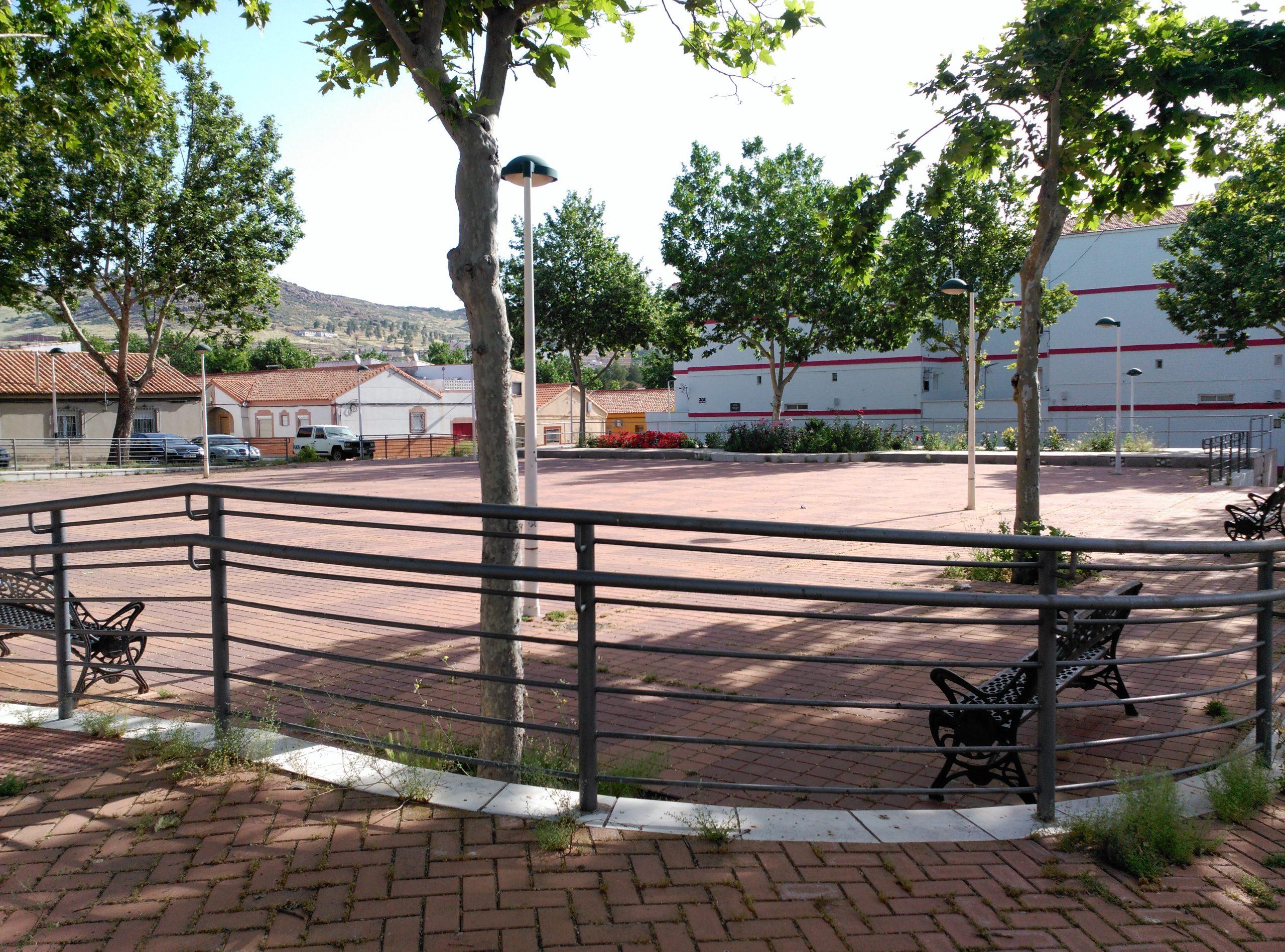 Plaza Gascón Bueno. Barriada de la Libertad Fotografía F. Negrete 2017