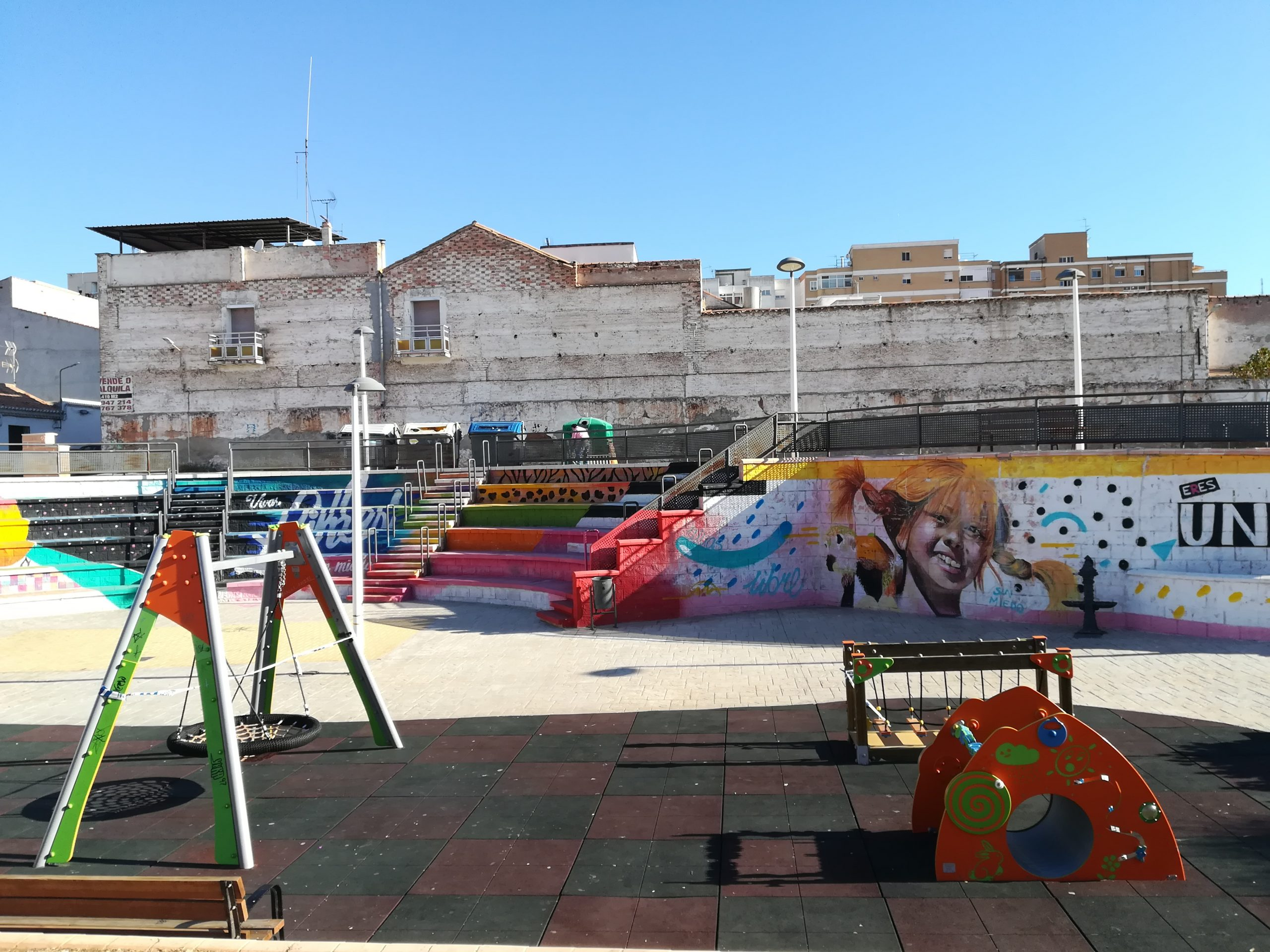 Plaza del Padre Poveda situada frente al Colegio San José