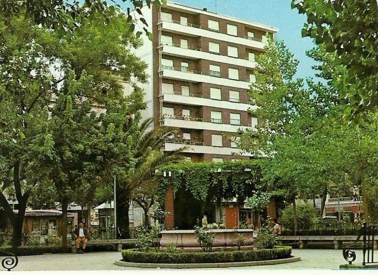 Fuente del Niño Meón. Fue inaugurada en 1955. Se quitó a principios de los 80