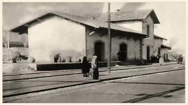 Estación de vía estrecha; Fotografía Ángel Perry