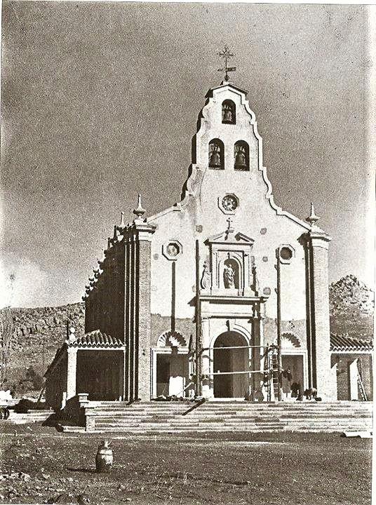Construcción de la Iglesia Santa Bárbara. Años 50