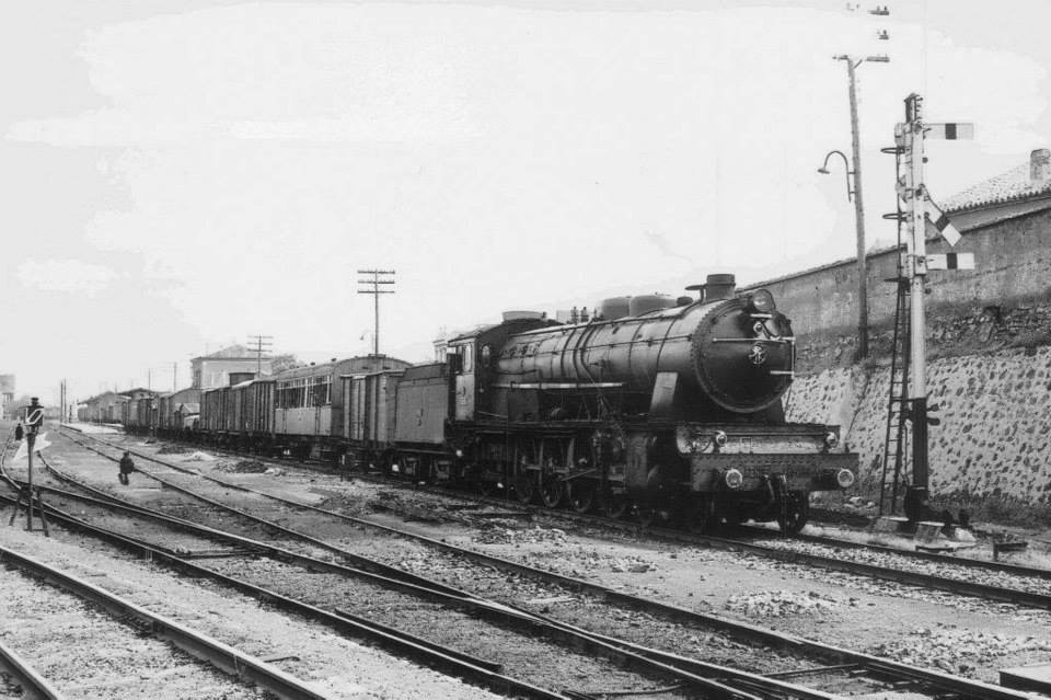 Tren mixto años 60. Archivo Antonio Mora