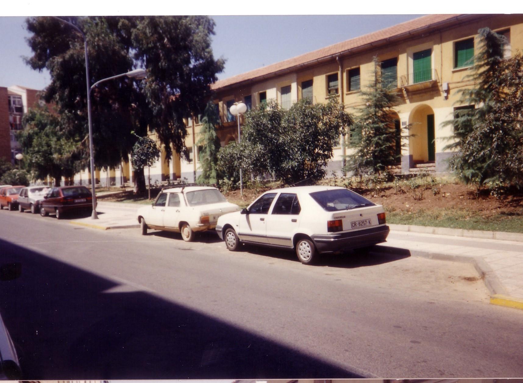 Casas de ferroviarios en la calle Ancha. 1991 Fotografía F. Negrete