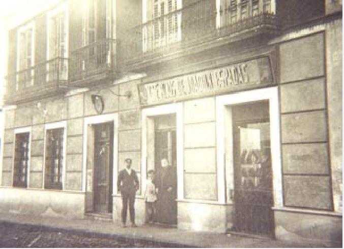 Zapatería Viuda e hijos de Joaquín Espadas.